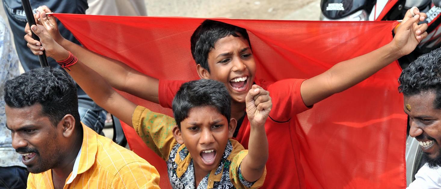 Hari Buruh di India dengan Bendera Merah (Sumber: CPIM)